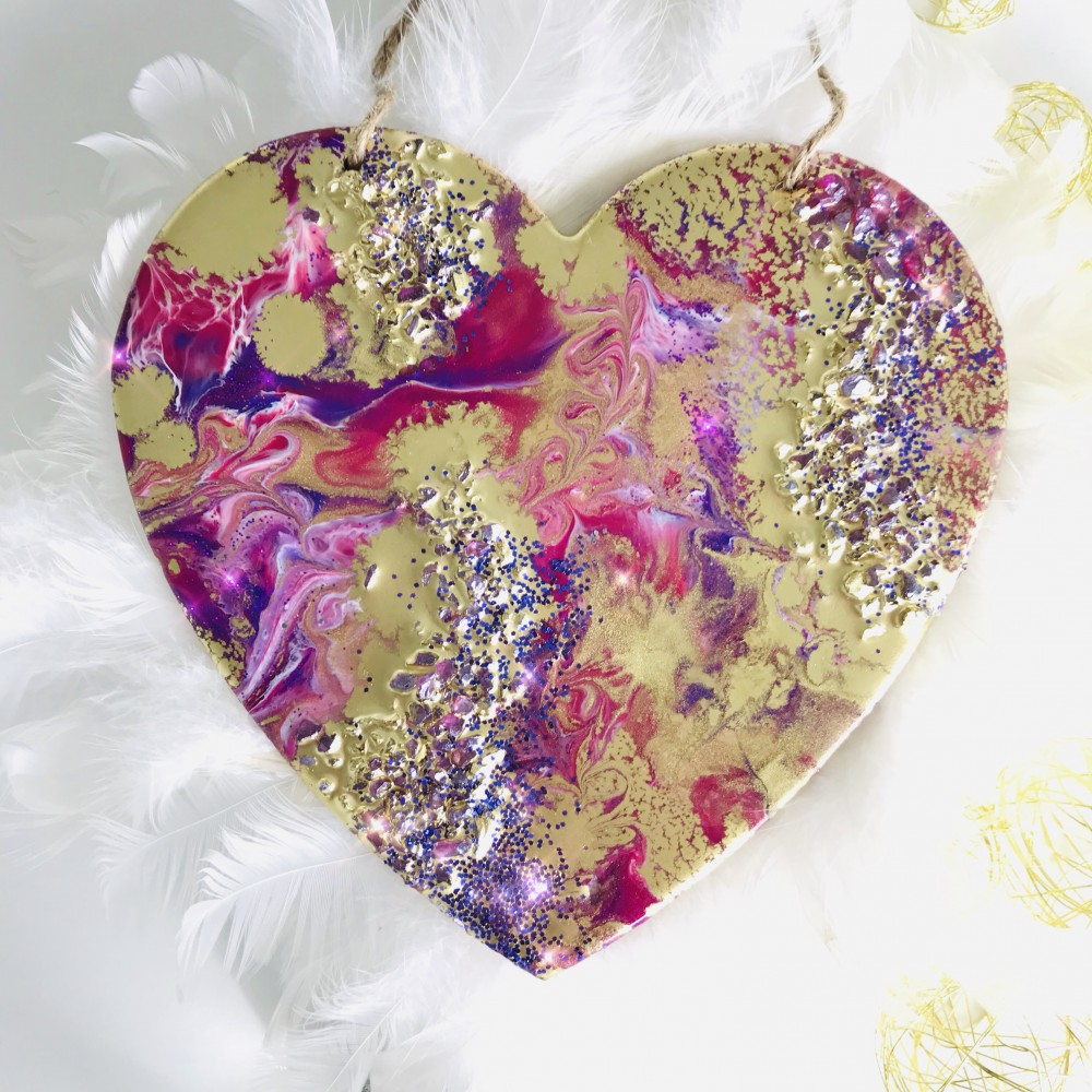 Resin heart pink