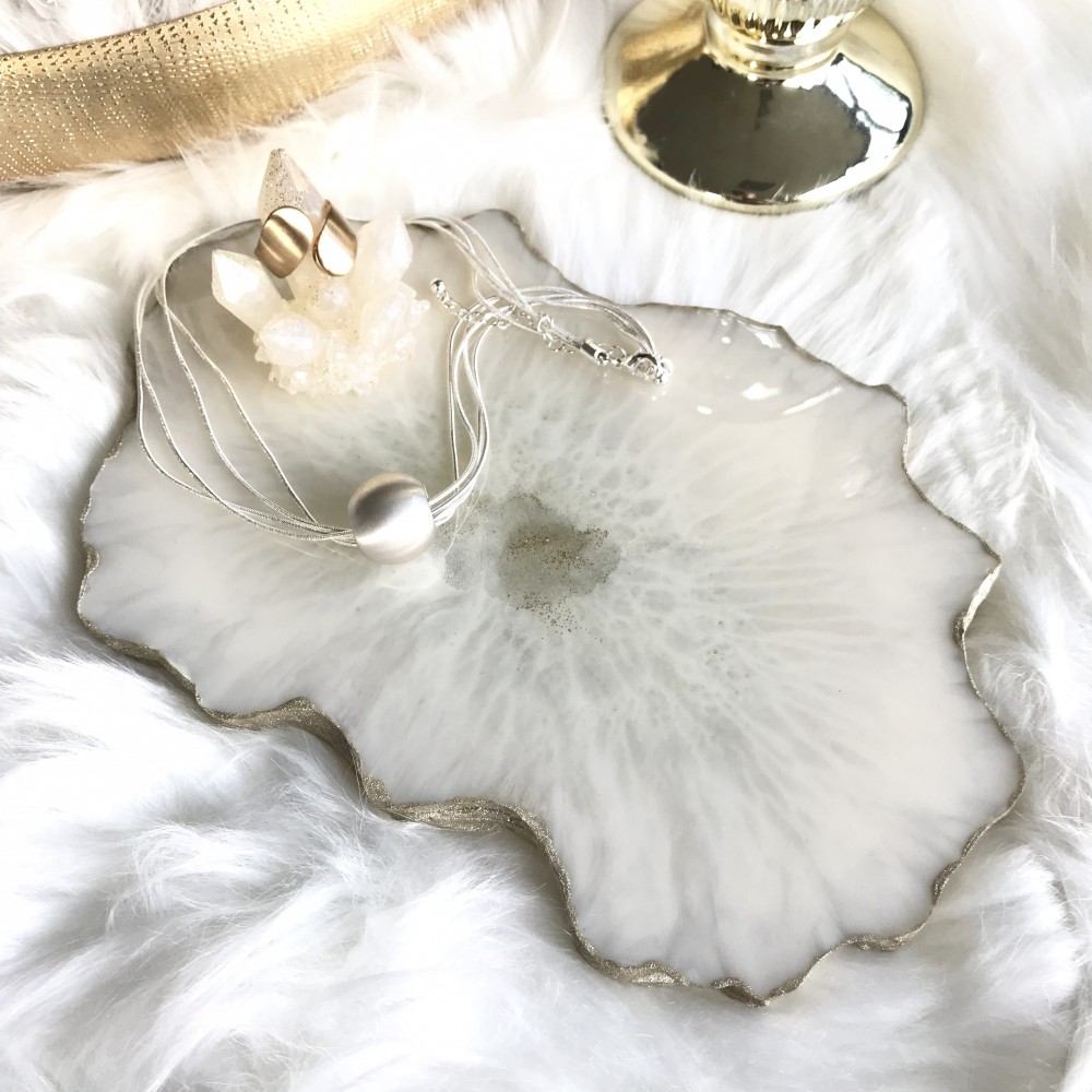Resin geode dish champagner