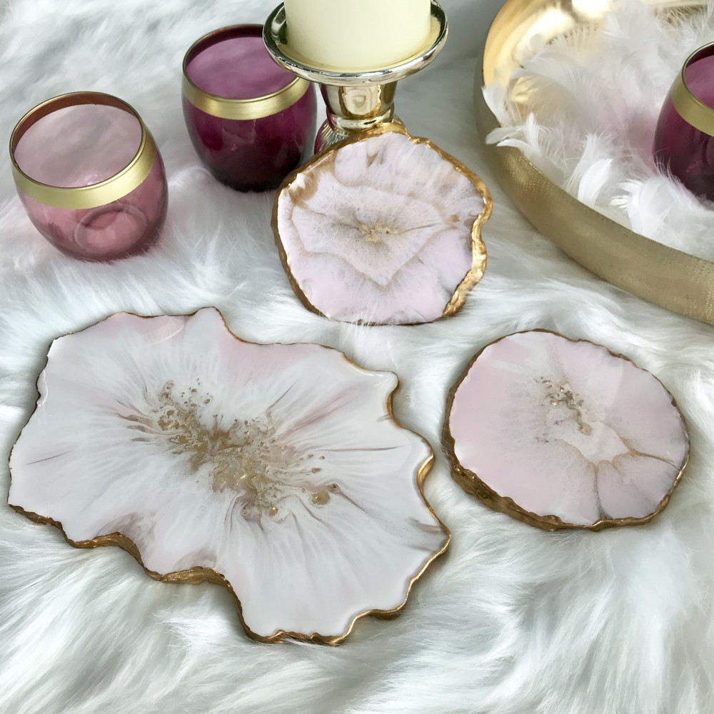 Resin geode set in powder pink