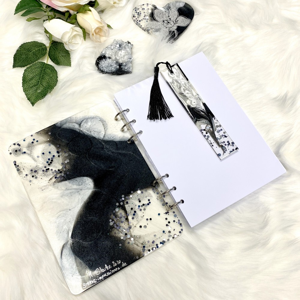 Resinbook Black orchid