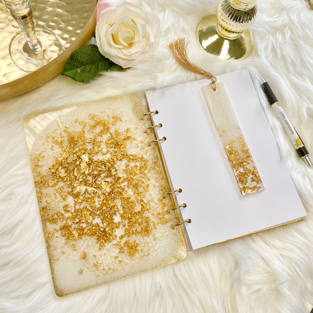Resinbook Gold leaf magic