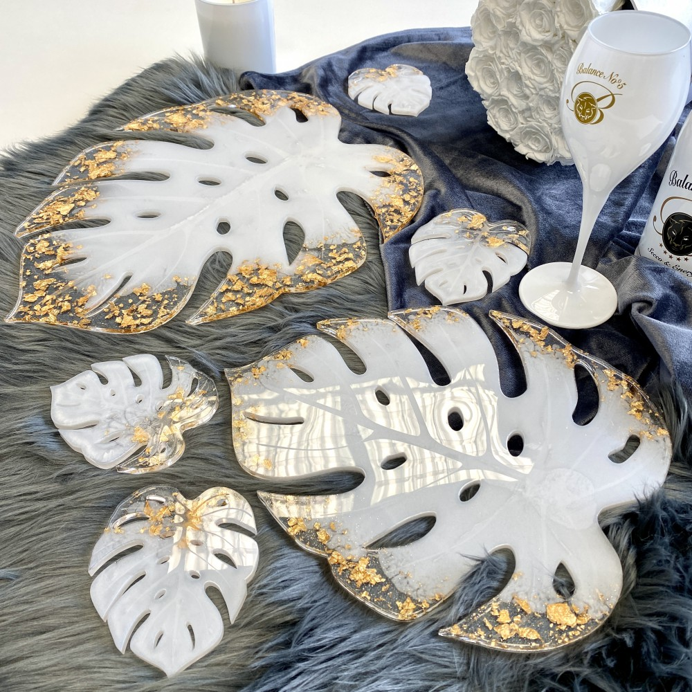 """Resin tray Monstera pearlwhite gold leaf XL (16"""")"""