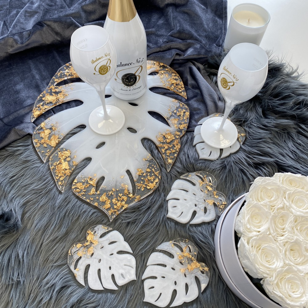 """Resin tray Monstera pearlwhite gold leaf L (12"""")"""
